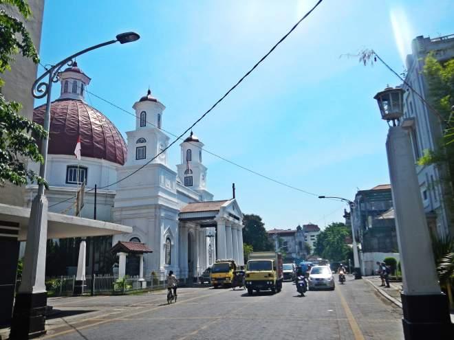 Sisi Kota Lama Semarag menuju gereja Blenduk(photo by Ejie)