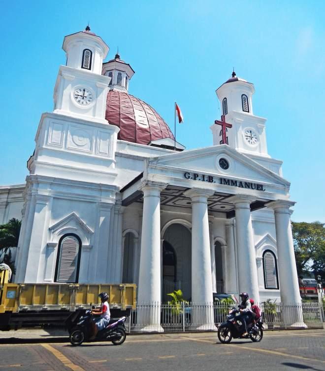 G.P.I.B. Immanuel yang terkenal dengan nama Gereja Blenduk(photo by Ejie)