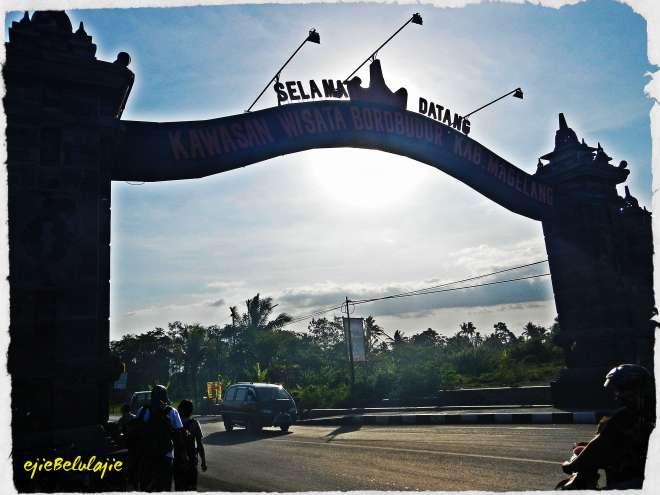 Kawasan Borobudur, jalan menuju touchdown tim utara.(photo by Ejie)