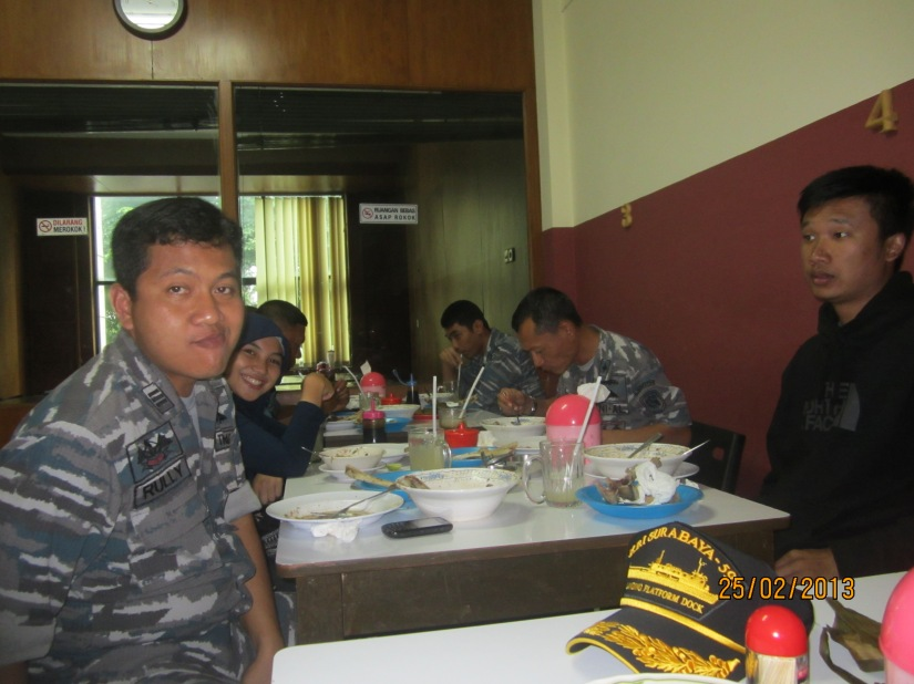 Makan siang bersama di Surabaya