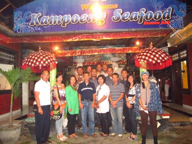 Foto keluarga @Kampoeng Seafood Jimbaran, Bali