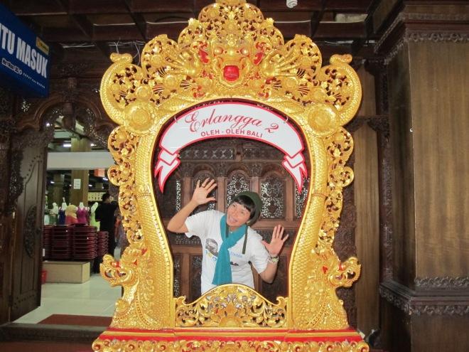 Ada kacanya ngga yah? *wink(doc Hikmah photo by Kapten Bambang)