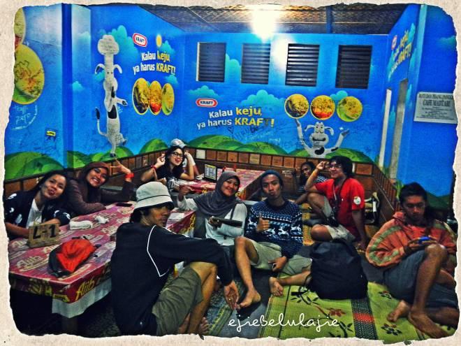 Teman-teman nanjakku yang seru! :D(doc Tides photo by me)