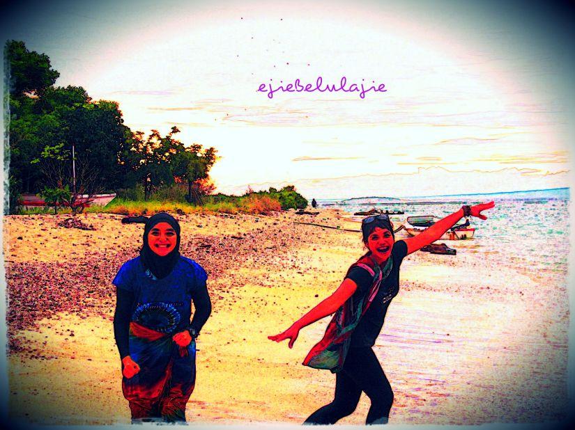 Pantai pun merupakan hati yang akan kusimpan untuk nantinya bertemu kembali. (doc Hikmah photo by Arga)