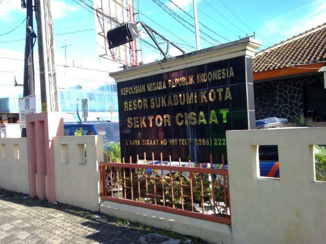 polsek Cisaat adalah meeting point terakhir kami sebelum akhirnya menuju villa Situgunung. (doc Erick)