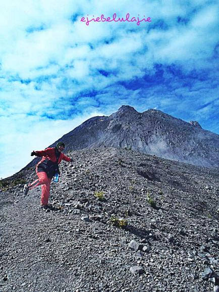 Lil bit to the Merapi... *kejar :P (doc pribadi photo by Erore)