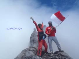 Puncak Garuda Gunung Merapi, alhamdulillah (doc pribadi)