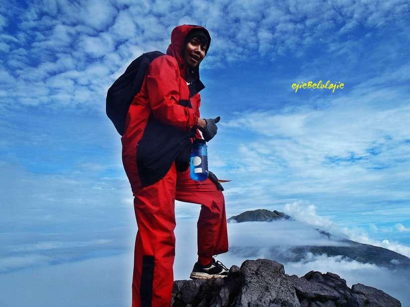 Sebelum puncak gunung Merapi, melewati pos 2. (doc pribadi)