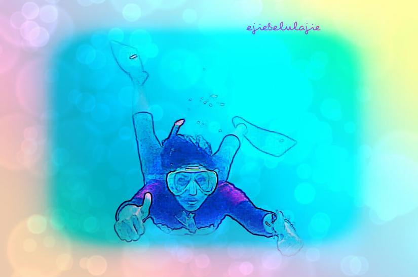 Bermain sambil belajar freediving bersama teman-teman di Bandung Freediving di kolam renang UPI, Bandung. Kesana pun aku hitching. Kolam pun masuk dalam box hati saya. (doc Jeffry BFD)