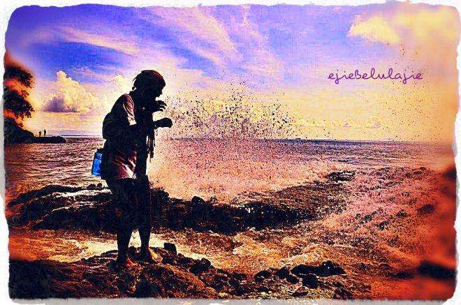 Hempasan ombak Pantai Karang Bolong, Pulau Nusa Kambangan Cilacap (doc Ricky Merah)