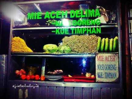 Itu bahan dasar dan isi lainnya dari mie Aceh. (doc pribadi)