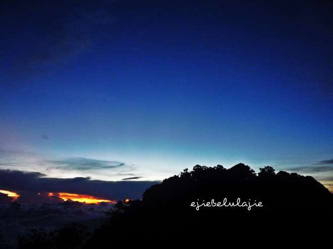 Pemandangan di puncak utama Rakutak (doc pribadi)
