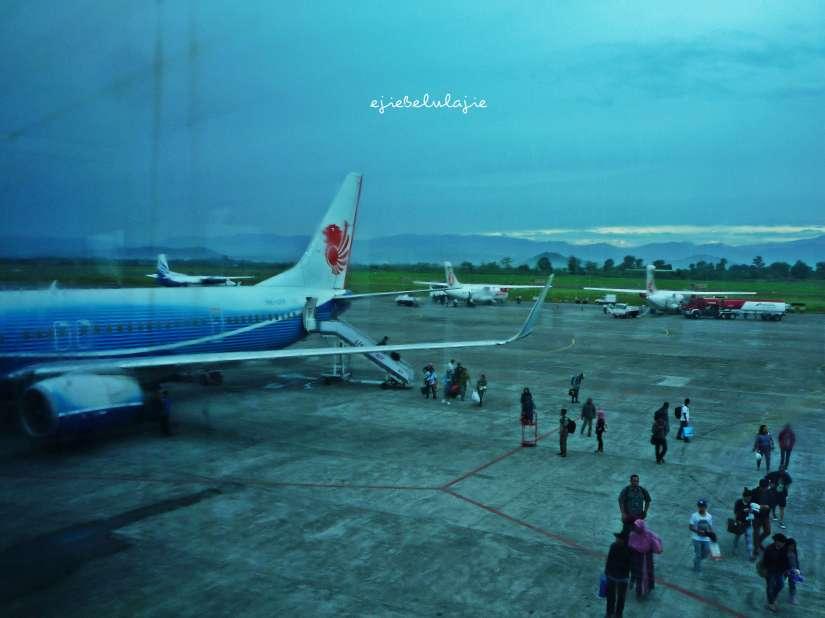 Bandar udara Sultan Hasanuddin, Ujungpandang, Makassar. (doc pribadi)