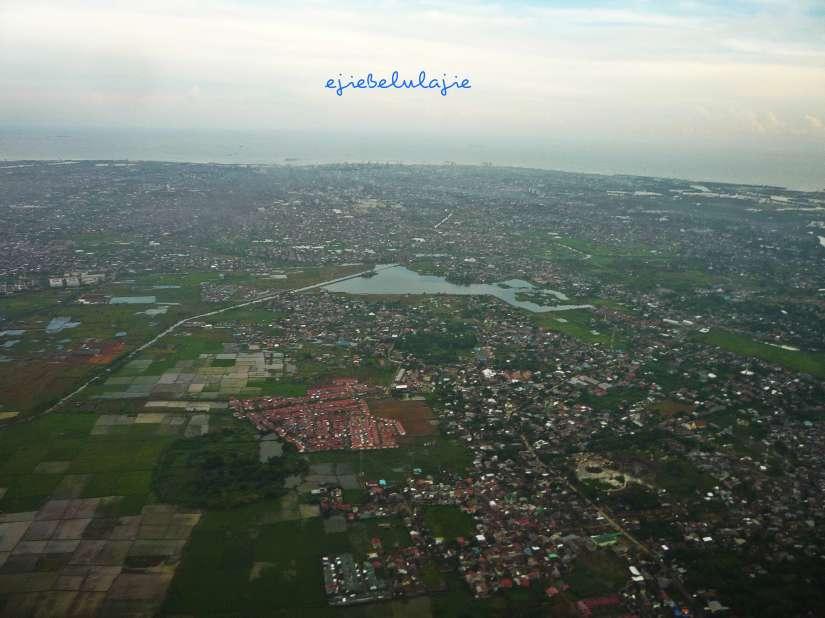 Makassar, just before landing.  (doc pribadi)