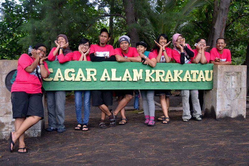 Foto di plang Krakatau (doc siapa ya? Lupa Ejie)
