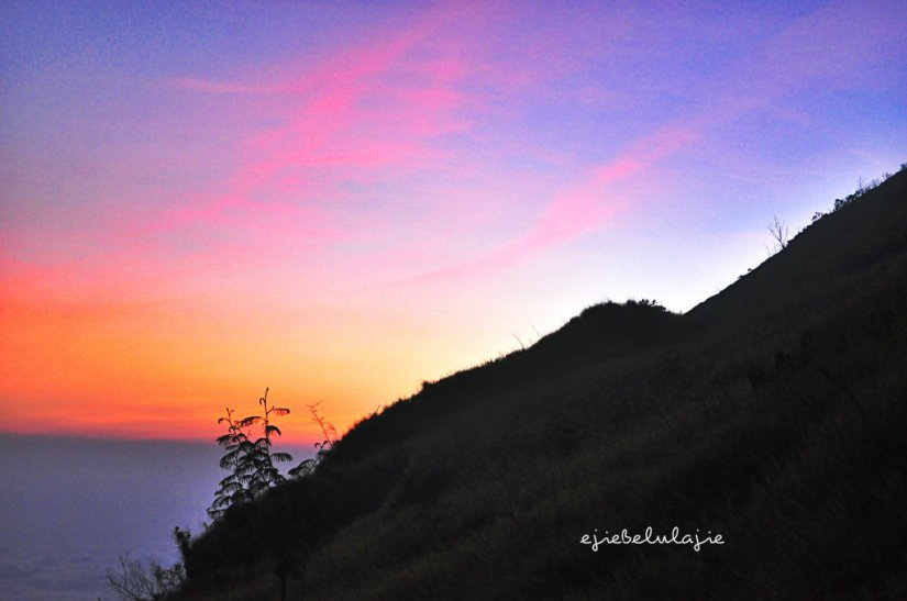 Langit Sunset Gunung Sindoro yang cerah.. mau ada BINTANG :) (doc pribadi)