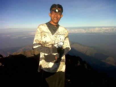 Kawan di Puncak Gunung Rinjani (doc Kajamie)