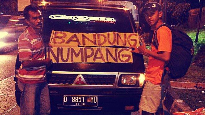 Ky dengan kendaraan pertamanya, tujuan Jakarta-Tol Kopo, Bandung. (doc pribadi)