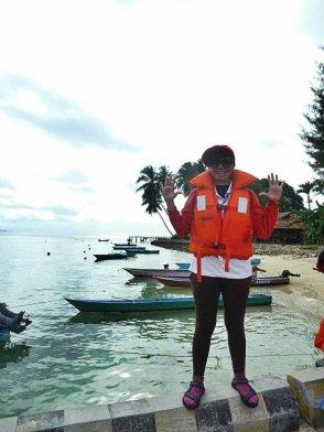 Diambil dari atas dermaga Pulau Saonek, Raja Ampat. (doc Adhi Watashiwa, Kalimantan)