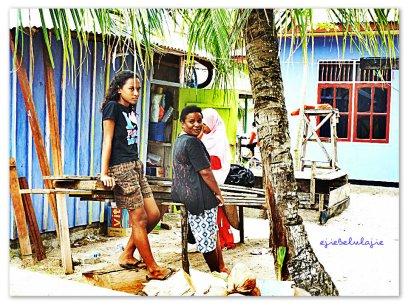 Penduduk Pulau Saonek. (doc pribadi)
