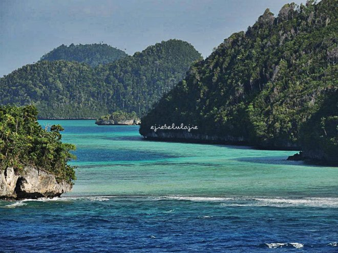 Gugusan Kepulauan Raja Ampat, Waiyag yang dilalui KRI Surabaya 591 saat Sail Morotai 2012 lalu. (doc Atod, Kalbar)