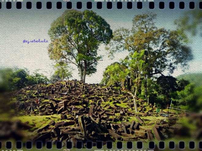 Situs Megalithikum Gunung Padang (doc pribadi)