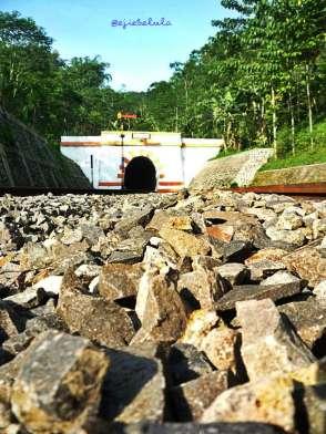 Terowongan stasiun tampak dari jauh (doc pribadi)