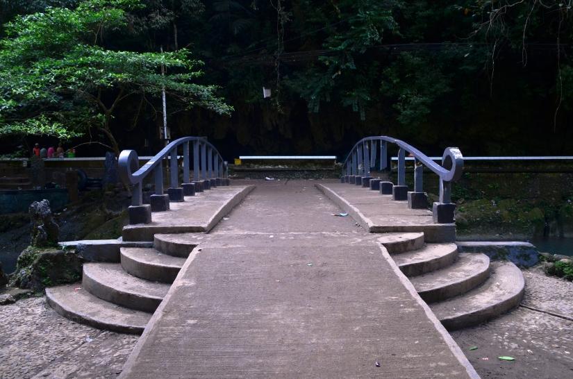 Lewat jembatan ini kalau mau ke tangga gua. (doc pribadi)