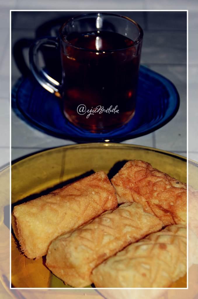 Kue dan teh hangat (doc pribadi)