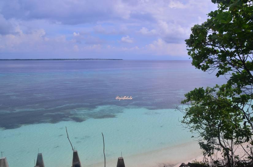Airnya Pantai Bara yang jernih dan bersih :flirting (doc pribadi)