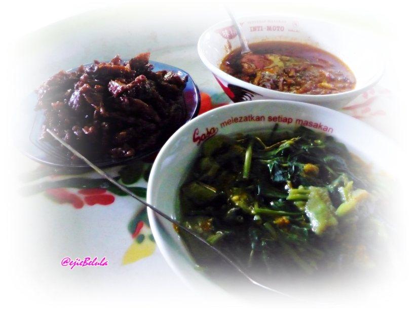 Makan siang sederhana yang mengenyangkan. (doc pribadi)