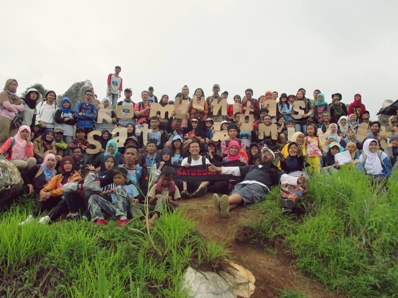 Foto bersama di Karst Citatah (doc Ibet)