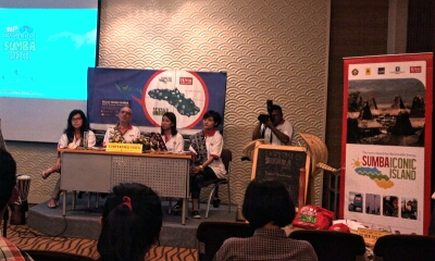 Ki-ka: Sandra dan Rob (Hivos), Sheila dan Adra (peserta Ekspedisi Sumba). (doc pribadi)