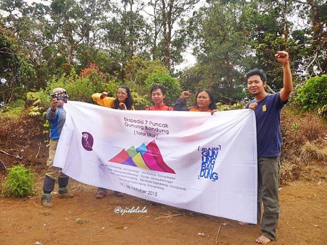 The summiters di Puncak Gunung Bukittunggul. (doc pribadi)