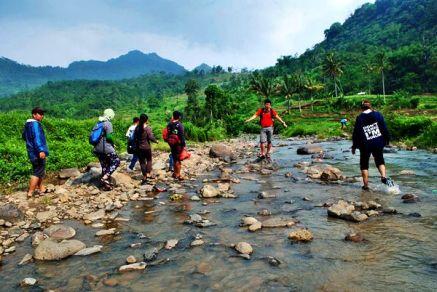 Sungai ketika surut. (doc Aditya)