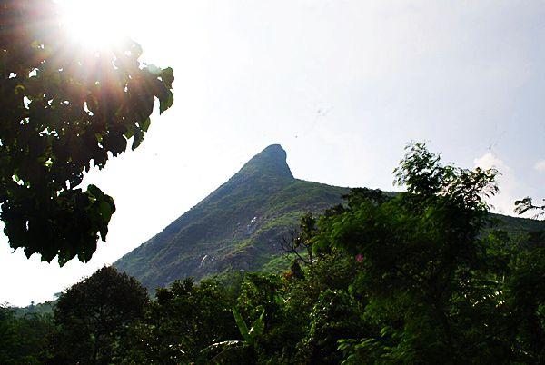Gunung Batu sisi lain (doc Aditya)