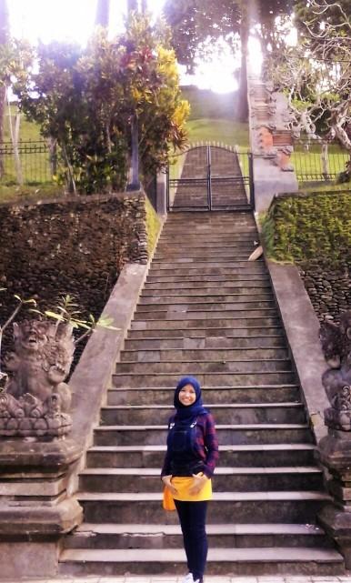 Tangga menuju Istana Kepresidenan Tampak Siring. (doc Ratu, taken by me)