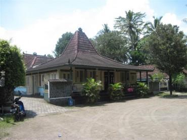 Rumah Joglo (credit to Google)