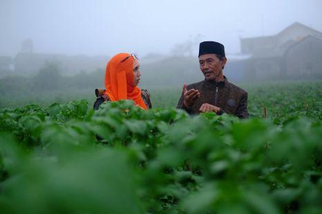 Perbincangan kentang dengan Pak Muktamir. Doc by @dimassuyatno