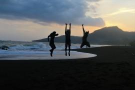 Senja di sisi lain pantai Doc by @anggitinsave