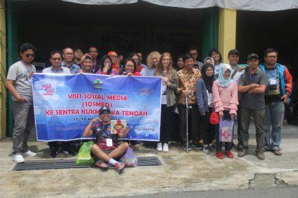 Foto bersama blogger/vlogger/media. Doc Dinkop UKM Jateng, Taken by Hani.