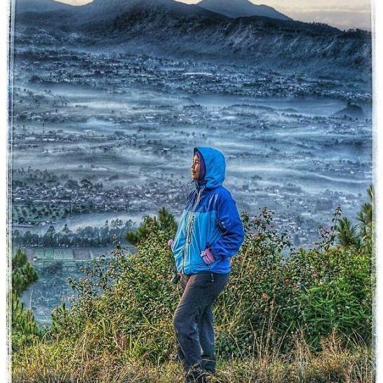 Spot foto di puncak ketika setelah sunrise Doc Linda